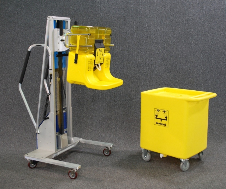 Lightweight Lift with Stainless Steel Prongs for Dumping Eye Wash Vessels